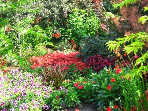 Garden Flowers Uk 3d Flower Garden Wallpaper Http Refreshrose