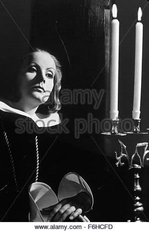 queen film director name queen christina 1933 greta garbo elizabeth young qchr