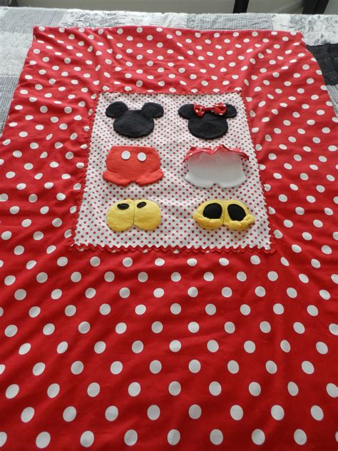 Minnie Mouse Quilt by Mickey And Minnie Mouse Baby Quilt Mickey Mouse Stuff