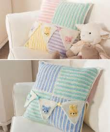 royal welcome baby pillow crochet pattern
