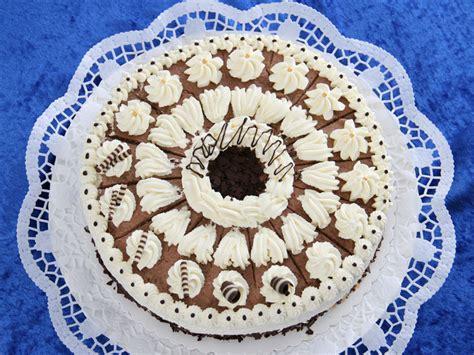 kuchen verzieren kuchen verzieren spritzbeutel appetitlich foto f 252 r sie