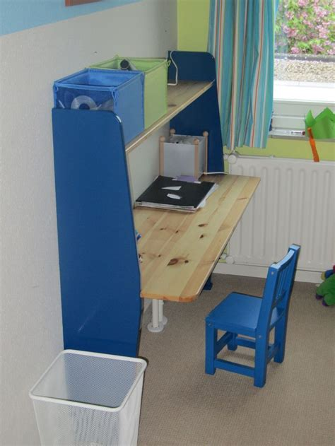 Diy Desk For A Small Child S Room Diy Ideas Pinterest Diy Small Desk