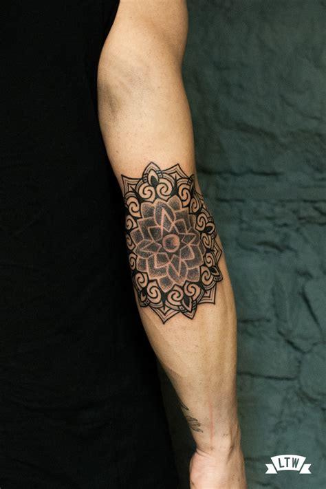 tattoo mandala codo mandala tatuado en codo por manu
