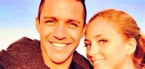 alexis sanchez y su novia 2015 191 juntos ex novia de alexis s 225 nchez comparte sospechosa