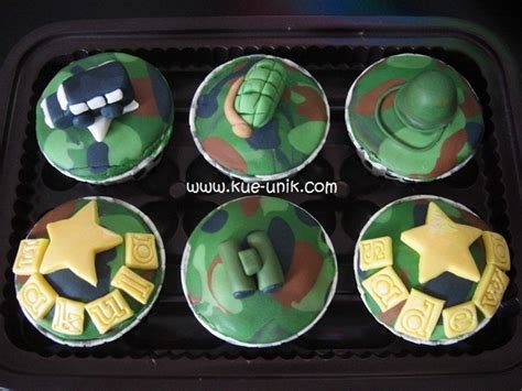 Nakula Black 1000 ideas about army cupcakes on camo