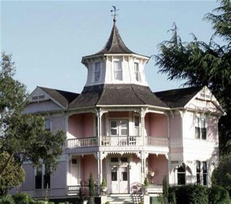 haunted house salem oregon haunted house in roseburg oregon haunted places pinterest oregon pink houses