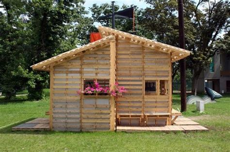 pallet house by i beam design shelter houses made easy with wood pallet wood pallet ideas