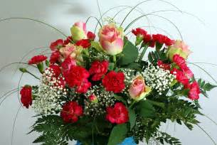 roses bouquet roses bouqet with carnations