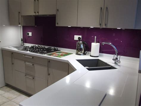 vibrant violet glass splashback   perfect