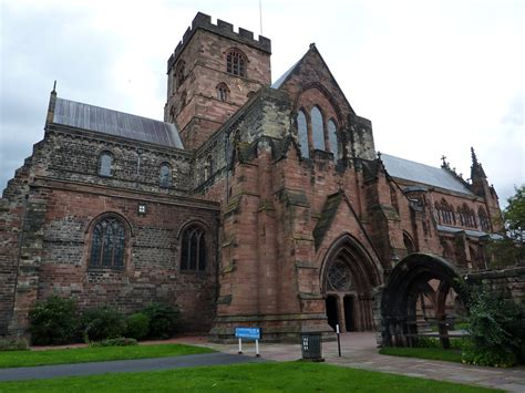 carlisle cathedral finding  bench  sat  ate