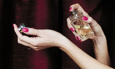 best light smelling perfumes 16 best light clean smelling perfumes