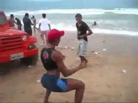 bailes en playas nudistas hombre brasile 241 o bailando gracioso youtube