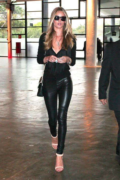 rosie huntington whiteley leather pants la modella mafia rosie huntington whiteley in all black