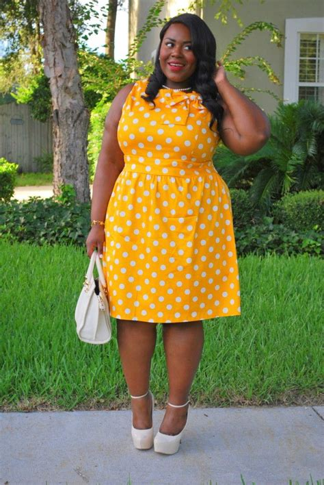 look classic in plus size vintage clothing