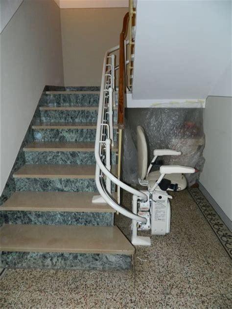 pedana disabili condominio montascale a poltroncina condominiale seniorlife a firenze