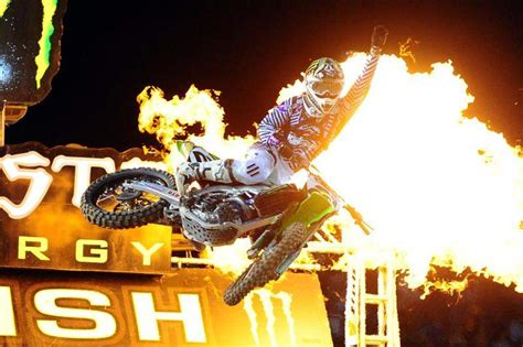 who won the motocross race last night 5 minutes with ryan villopoto racer x online