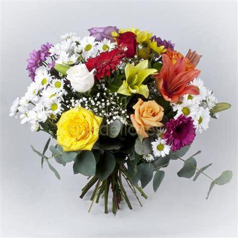 ramo de rosas rojas regalo perfecto para mama este 10 de mayo how to make a bouquet of red roses las flores un buen regalo de cumplea 241 os