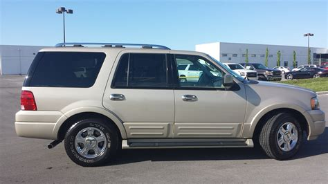 sold 2005 ford expedition limited 4x2 92k 1 owner chagne leather call 855 507 8520