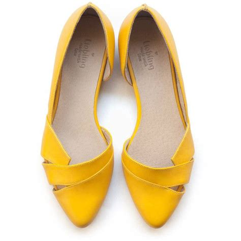 yellow shoes isn t it amazing to yellow shoes styleskier