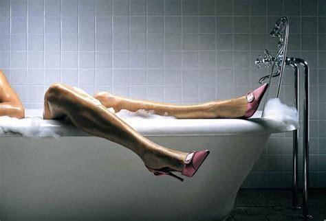 sesso nella vasca da bagno 10 fanstastici usi alternativi dell olio di oliva roba