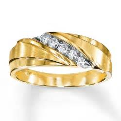 mens gold wedding bands s wedding band 1 4 ct tw diamonds 10k yellow gold