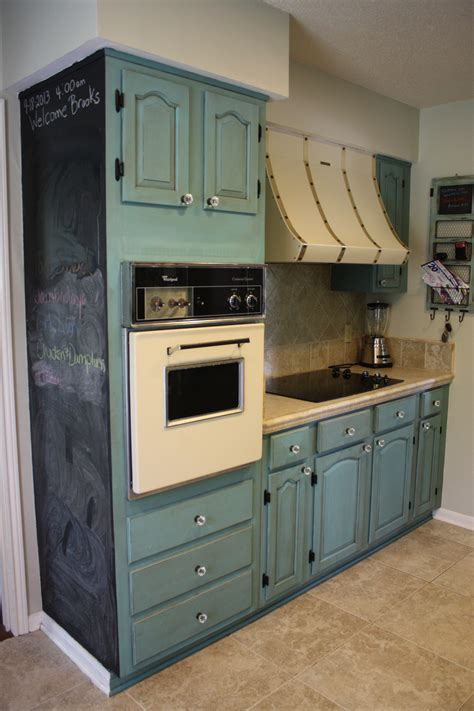 Painting Kitchen Cabinets Chalk Paint Painting Oak Kitchen Cabinets With Blue Chalk Paint Color Plus Brown Ceramic Backsplash And