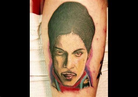 zoio tattoo instagram as 15 piores tatuagens que f 227 s fizeram para homenagear