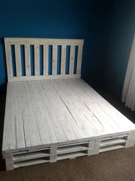 pallette bed recycled pallet bed frame 101 pallets