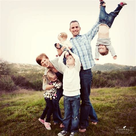 family pictures idea 18 creative family picture poses