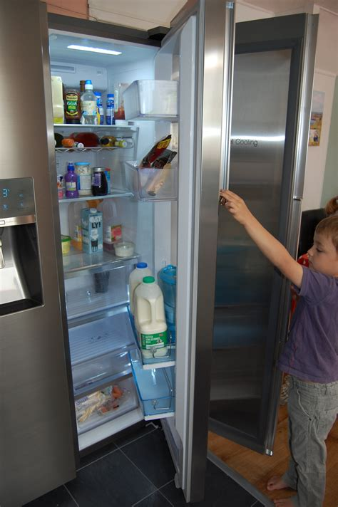 Showcase Freezer samsung foodshowcase fridge freezer review
