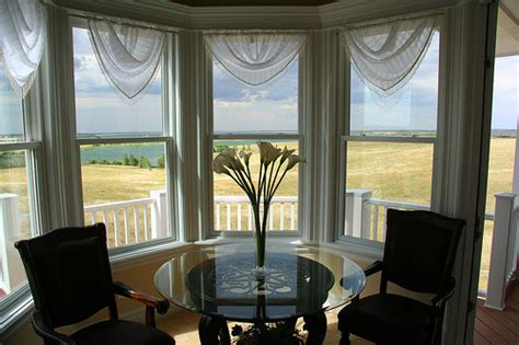 Dining Room Bay Window Curtain Ideas by Bay Window Treatment Ideas Bay Window Treatments In Pictures