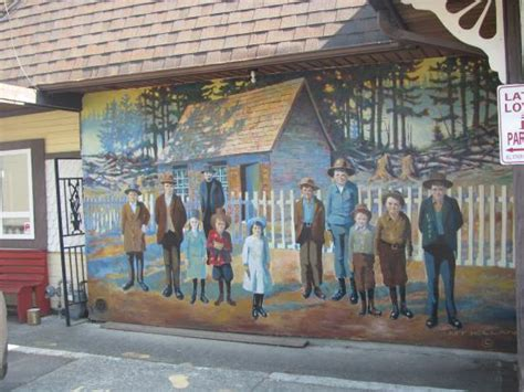 Wall Murals Vancouver Bc Chemainus Picture Of Wall Murals Chemainus Tripadvisor
