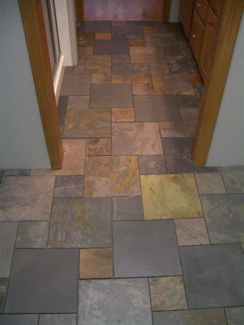 Slate Pinwheel Bathroom Floor