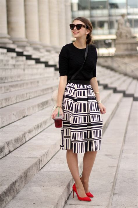 18046 Skirt Blackwhite pin by andrade on work clothes work and wardrobes