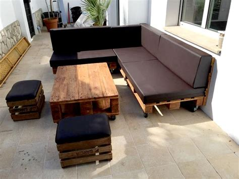 pallet couch cushion ideas 17 best ideas about pallet sectional couch on pinterest