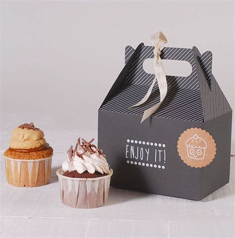 cupcake box ideas 25 best ideas about bakery packaging on