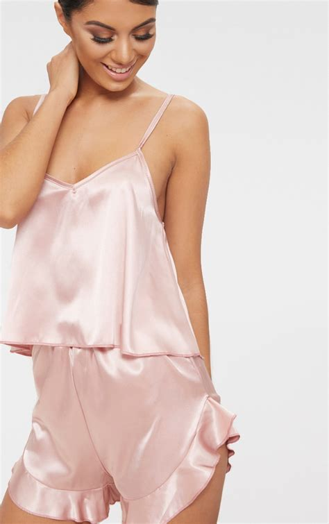 Set Ananti Pink Dusty dusty pink strappy frill detail satin pj set prettylittlething