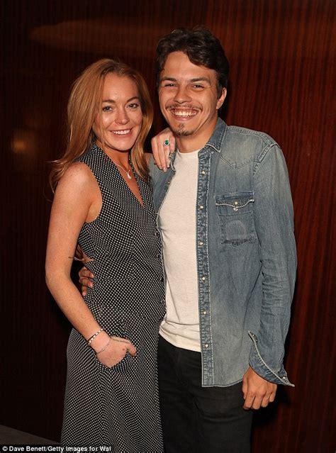 Lindsay Lohan Dating Federline by Lindsay Lohan S Dina Is Happy Has