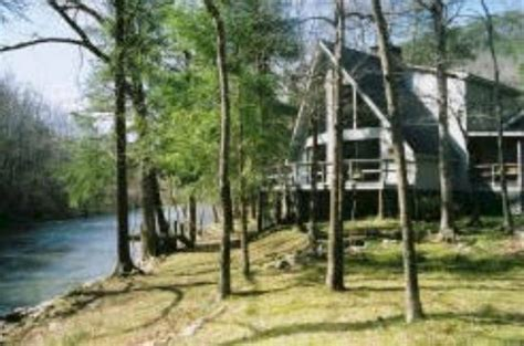 Townsend Cabin Rentals On The River by Riverbend 4 Br 2 Ba Right On River In Townsend Tn