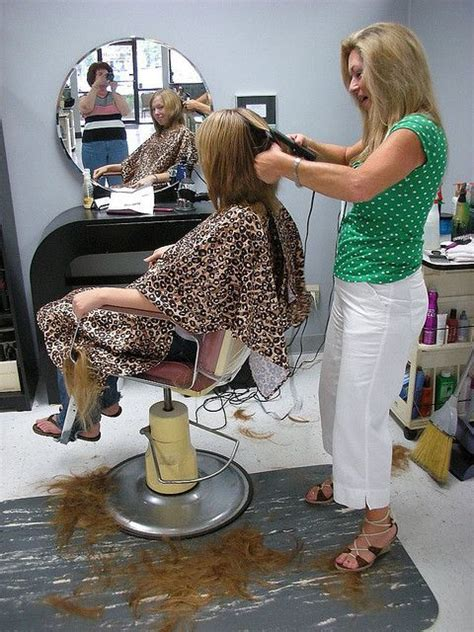 female in barber chair getting buzzcut lady stylist sexy girls haircutting pinterest