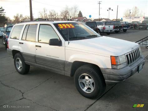 1997 Jeep Laredo 1997 White Jeep Grand Laredo 4x4 60562036