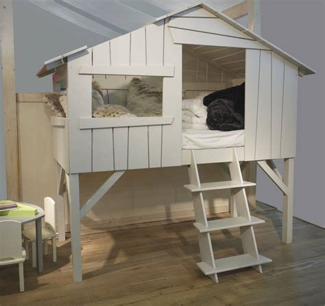 cabane pour chambre enfant lit enfant cabane en bois avec escalier