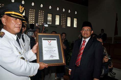 Sisir Lipat Kang Mus 5 kelakuan terpuji pejabat indonesia yang harusnya