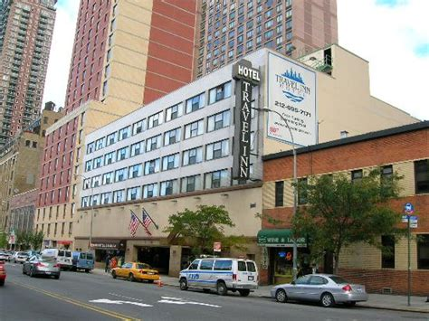 Hotel Front (42nd St)   Picture of Travel Inn Hotel New