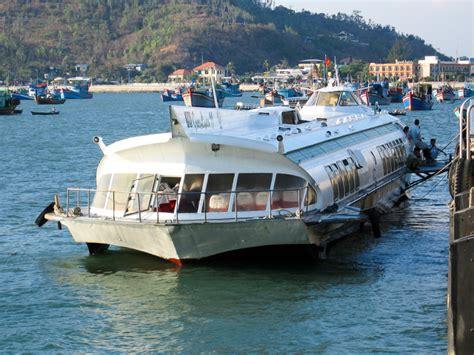 hydrofoil boat vung tau file hydrofoil vung tau vietnam 174846 jpg wikimedia