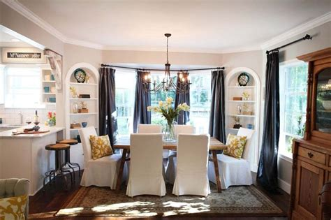 loving this table chairs home magnolias