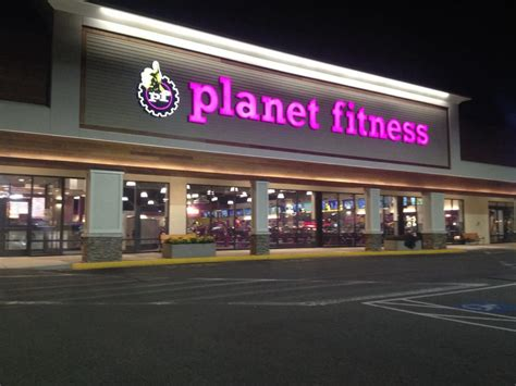 planet room phone number planet fitness medford 39 reviews gyms 696 fellsway plz medford ma united states
