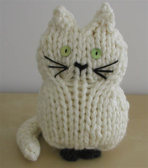 cat knitting knitted things knitted cats