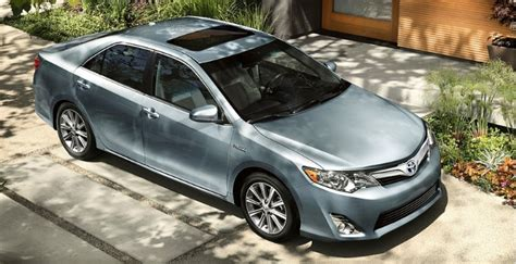 toyota us sales toyota usa sales up 18 4 in august on camry prius demand
