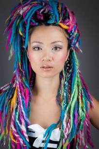 hair style with color yarn 21 yarn braid hairstyles and how to do yarn braids